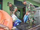 Bantu Korban Banjir, Prajurit Korem 091/ASN Siapkan Ribuan Nasi Bungkus